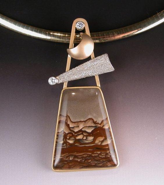 QUEM NÃO TEM CÃO CAÇA COM GATO - Deschutes Jasper Pendant in 18 karat Gold with diamonts and Platinum DESERT COMET by JoyfulCrow