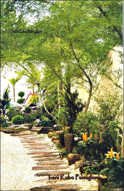 Ivani Kubo Paisagismo: Paisagismo para quintal e entrada de lateral
