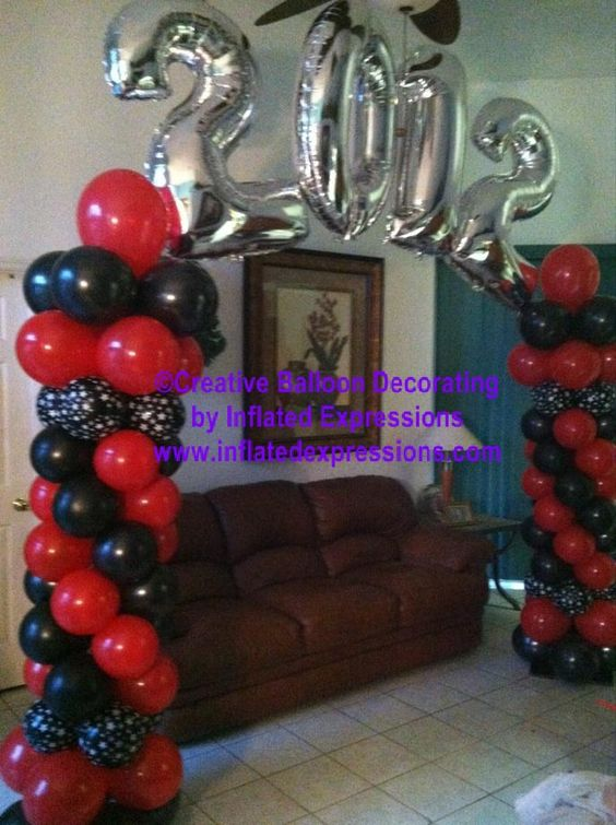 Creative balloon decor for graduation party graduations for Balloon decoration classes