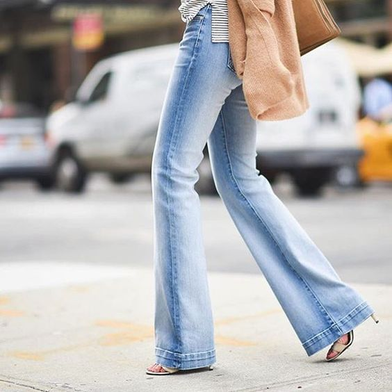 It's the season of flares @9to5chic #7FAMFlares #TAILORLESS