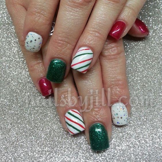 #sparkly #nails #nailart #holidaynails