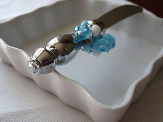blue & white appetizer knife