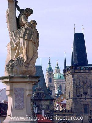 Puente de Carlos:. Que atraviesa el río Moldava, que conecta el barrio pequeño con el casco antiguo, Praga, Hlavni Mesto Praha,