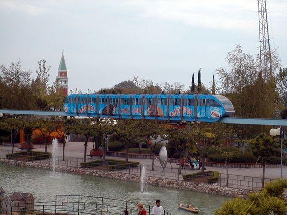#Decorazione dell'intera carrozza della #monorotaia #italiainminiatura #motta #nestlè