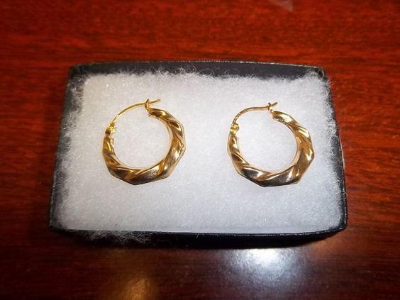 Gorgeous Estate Vintage 10K Gold Hoop LIfted by GiftShopVintage