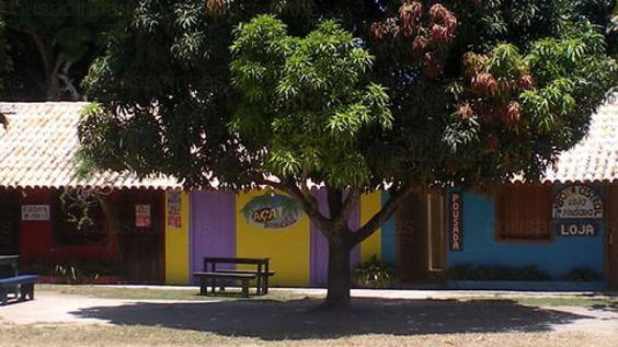 A Pousada Bom Astral está localizada em Trancoso, Bahia. A pousada está muito bem situada no Quadrado (centro histórico) e a apenas alguns minutos de caminhada de uma das melhores e mais lindas praias do Brasil. A pousada conta com uma capacidade para 25 pessoas nos sete quartos e quatro apartamentos. Todas as habitações tem banheiro privativo.