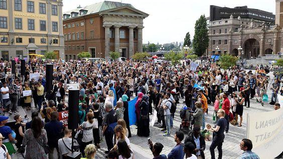 Kehrtwende bei Flüchtlingspolitik: Schweden verschärft Asylgesetz