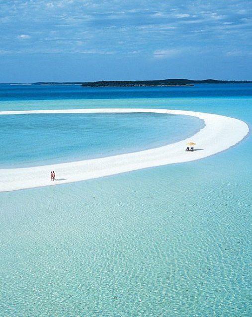 Musha Cay, Bahamas, on our travel bucket list.  #Reise #ErstaunlichPlatz #Wunschliste  http://wohnenmitklassikern.com/tendenzen/gruende-warum-sie-california-besuchen-muessen/