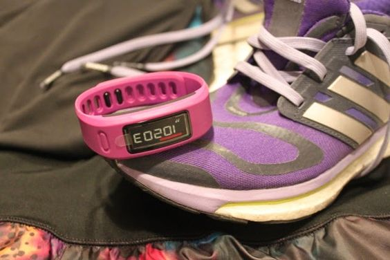 Kit deportivo. Pulsera Vivofit Garmin. Reto Vivofit. A trendy life. #healthy life #running #vivofit #garmin #adidas #fashionblogger #atrendylife www.atrendylifestyle.com