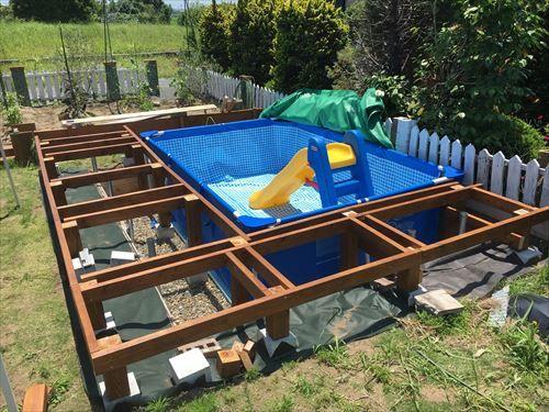親ばかパパが娘のためにプールを庭にdiy 自作の一部始終をお伝えし