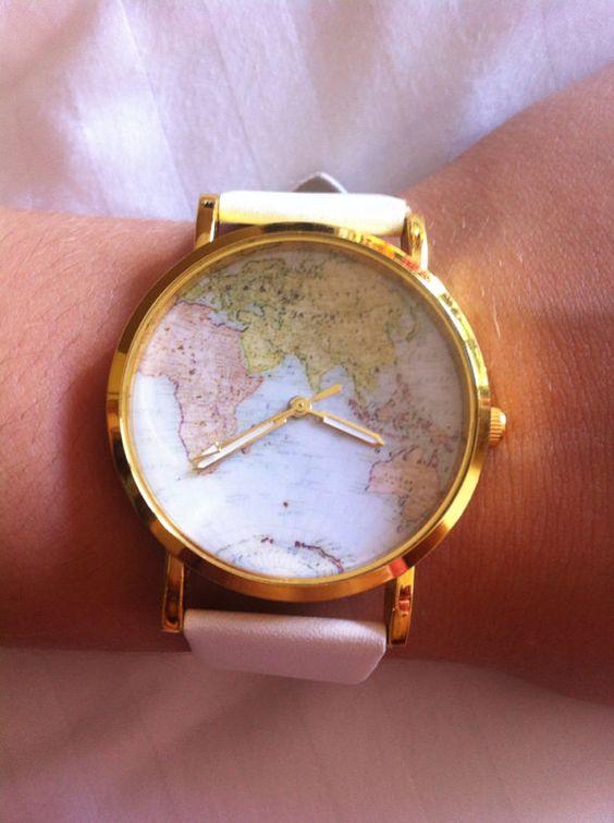 He encontrado este interesante anuncio de Etsy en https://www.etsy.com/es/listing/199321215/world-map-atlas-watch