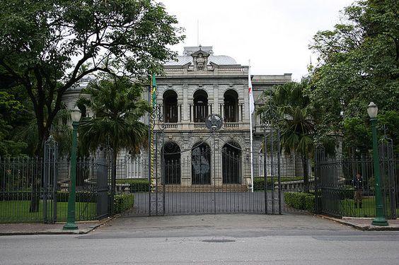 https://flic.kr/p/5Fogwk   Palácio da Liberdade   Sede do Governo de Minas Gerais, está abeto para visitação no último domingo de cada mês. Vale a pena conferir.