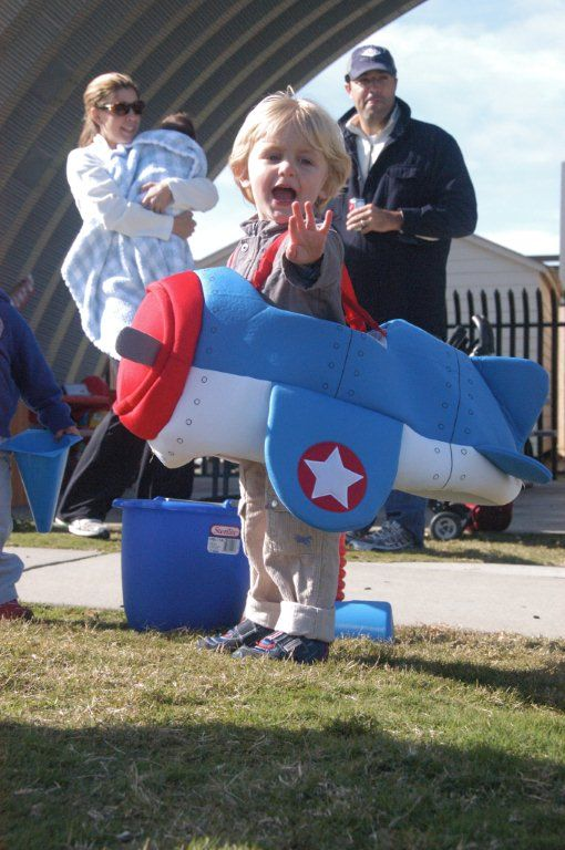 hunter-airplane-costume.jpg (510×768) | Transportation birthday | Pinterest | Airplane costume Costumes and Halloween costume toddler  sc 1 st  Pinterest & hunter-airplane-costume.jpg (510×768) | Transportation birthday ...