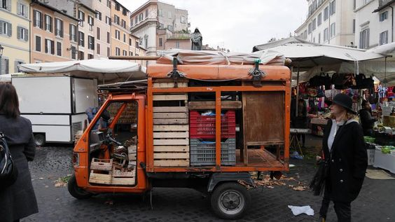 Business Mobility #streetphoto #streetlife #streetphotographers #streetstyle #ig_italy #igersitalia #ig_captures #ig_street #market #roma #rome #colors #photooftheday #instadaily #instamag #igersroma #igersoftheday #viediroma #noidiroma #transport #urbanjungle #urbanlife #16x9 #lumix by emme_ci
