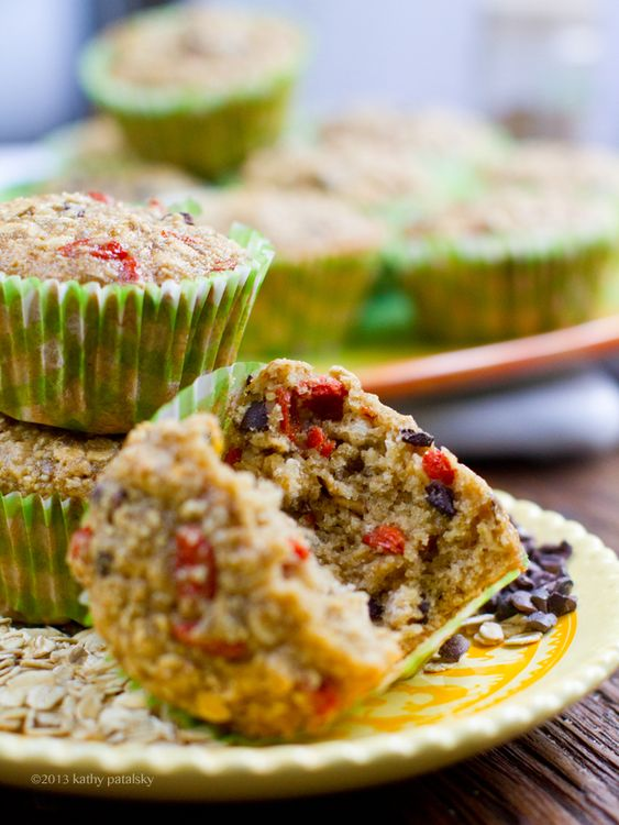 Oatmeal, Citrus, Goji Berry, Cacao Chip, Morning Muffins. Wheat free. - HealthyHappyLife.com