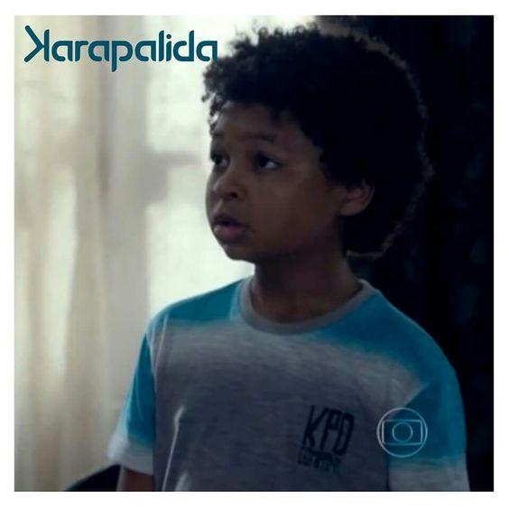 Ontem (23 de março), o personagem Azeitona, interpretado pelo ator JP Rufino, usou camiseta da Karapalida, na novela Alto Astral.   Confiram: http://gshow.globo.com/novelas/alto-astral/videos/t/cenas/v/azeitona-vai-ate-a-casa-de-ana-dirce-e-questiona-a-professora/4056792/  #karapalida #eleusa #natelinha #novelaaltoastral