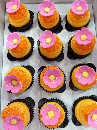 Pink and Orange Tropical Cupcakes