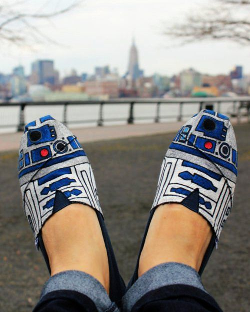 R2D2 slippers. Oh hells yeah! And Geeks Are Sexy is an awesome website for having these.