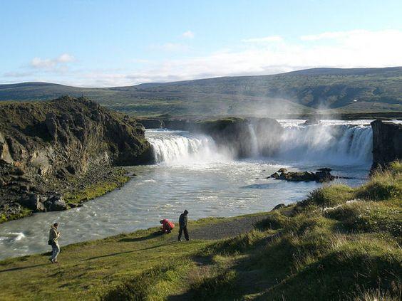 Cascatas da Islândia..Catarata Goðafoss