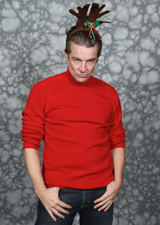 """James Marsters(""""Spike"""" from Buffy and Angel) is ready for Christmas! This is the GREATEST Picture I've ever seen."""