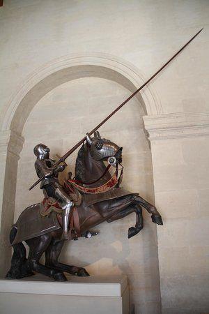 Armadura de cavalo e cavaleiro.