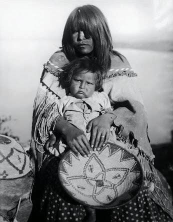 Apache mother and child. Early 1900s. Photo by Smithers Campbell.