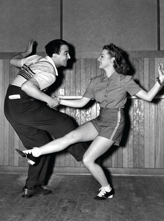 Judy Garland in rehearsal.: 1950S Swing, Dancing 1950S, Let S Dance, Dancing 1940S, Judy Garland, Swing Dancing, Vintage Photo, 1950 S