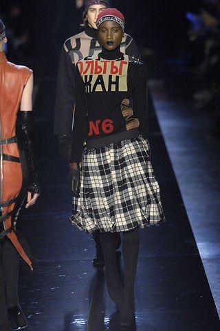 Jean Paul Gaultier Spring 2007 Ready-to-Wear Fashion Show - **Thirty Year Retrospective  1986 Les Constructivistes**   Mia Miaria (VIVA)