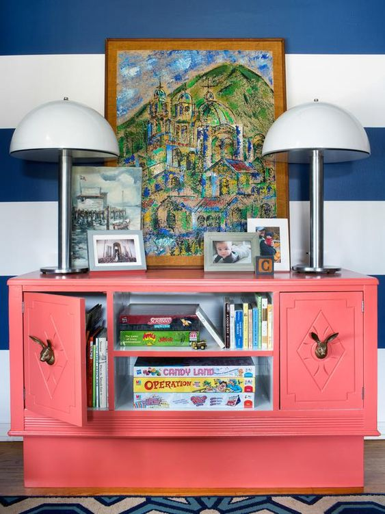 Put a fresh new spin on an old wooden dresser with open shelving for toy storage, unexpected hardware and a playful use of color.(http://www.hgtv.com/handmade/genius-toy-storage-solutions-you-can-make/pictures/page-6.html?soc=pinterest)