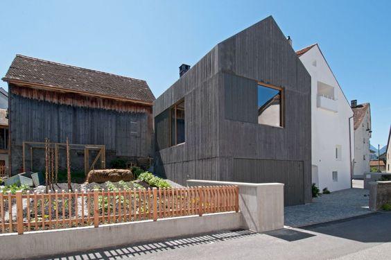 Eggenberger + Mader  Bearth \ Deplazes  Haus am Platz  Fläsch - einrichtung kleine wohnung tamar rosenberg