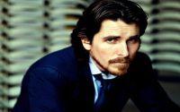 Στο πρόσωπο του Christian Bale βρήκαν οι παραγωγοί της νέας ταινίας τον ιδανικό star για τον ενσαρκώσει τον απόλυτο άρχοντα της Apple. Κονταροχτυπήθηκ...