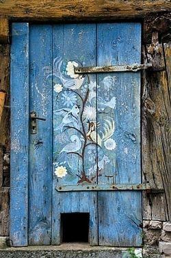 Wonderful Door in Norway. All of that and a cat door too!