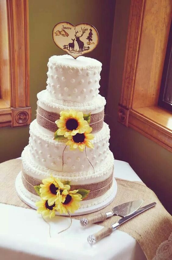 rustic wedding cakes with sunflowers atteberry ford wedding country cake burlap sunflowers 19574
