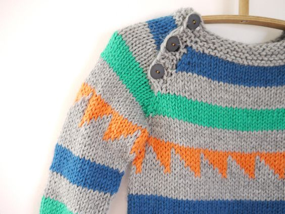 Knitting Patterns For Kids Sweaters Easy : Boys Knitted Sweater - Triangle Chunky Pullover - fits 3-5 year old kids - wa...