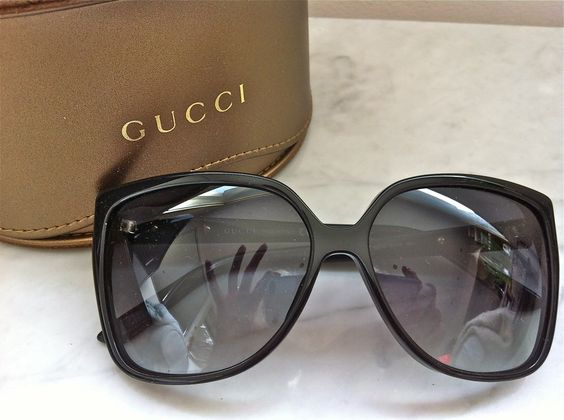 Gucci Black Rimmed Sunglasses via The Queen Bee. Click on the image to see more!