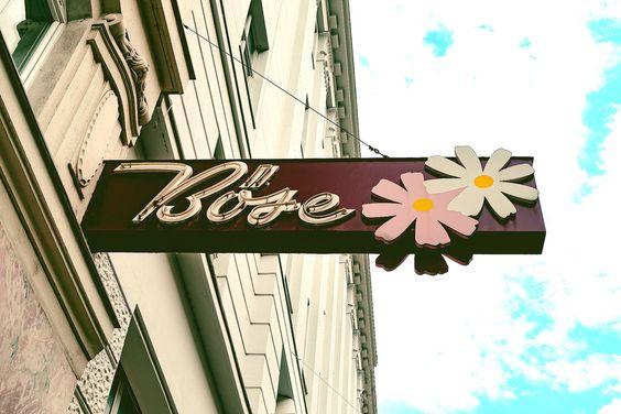 Blumen Böse, Wien by Inga Klas