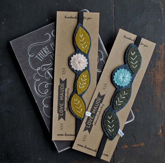 BUY EARLY SALE Hand Embroidered Felt Bookmark Set por LoveMaude