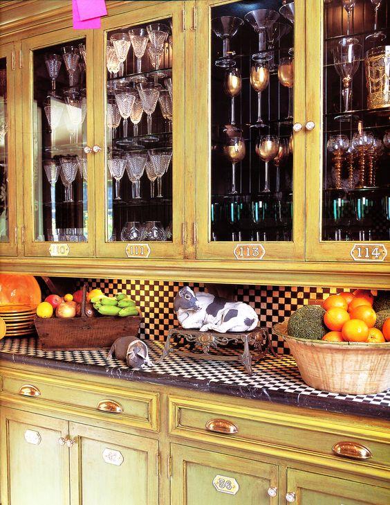 Cabinet detail Exposed hinges!  Kitchen La Maison De R?ves