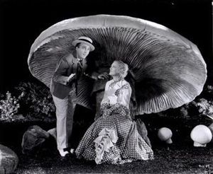 An excised scene from Going Hollywood  (Raoul Walsh; 1933)