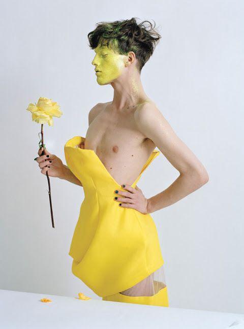 Actitud extravagante de Couture porción Tim Walker | homotography