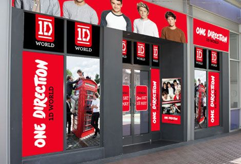 I am like so sad right now because 1D world is opening up in Phoenix and I live in Nevada but I can't fly over there. :(