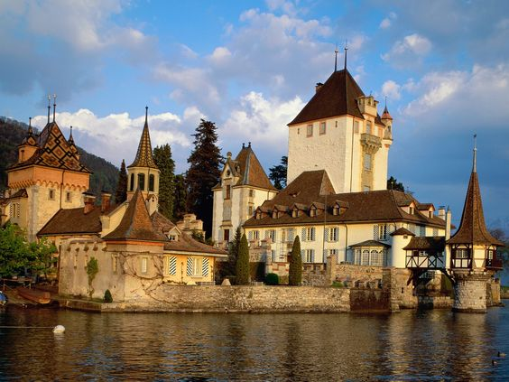.: Bucket List, Beautiful Places, Castle Thun, Amazing Places, Castillo Oberhofen