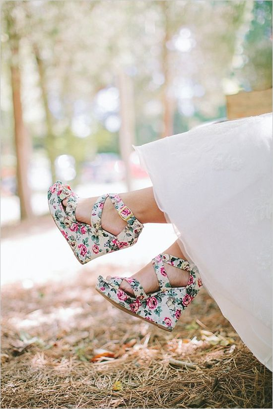 super cute floral print wedges