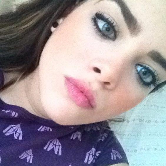 .@catharinamachado | Olá amigos #bored #metalhead #headbanger #girl #blueeyed #blueeyes #cute #ear... | Webstagram