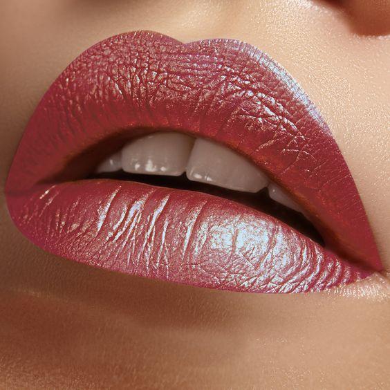 Matte v. metallic lip vault