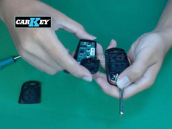 Thay vỏ chìa khóa điều khiển ô tô