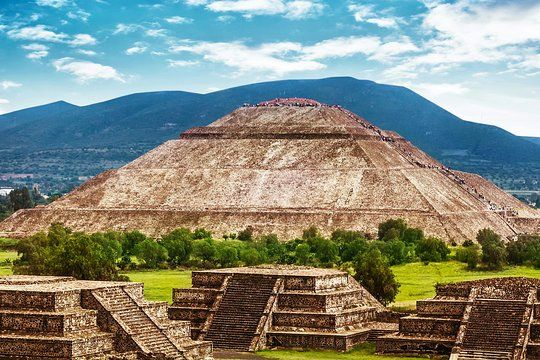 Tripadvisor Mexico City Super Saver Teotihuacan Tlatelolco And Guadalupe Shrine Plus Xochimilco And Frida Kahlo Provide Mexico City Teotihuacan City Super