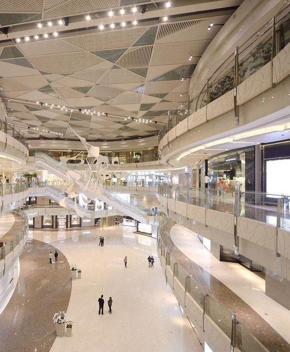 The extraordinary IFC Mall in Shanghai