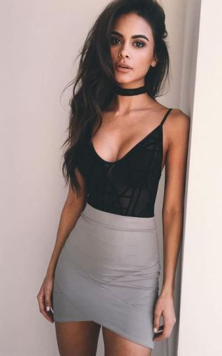 Sexy Valentine's Day outfits like this one are perfect to wear for your boyfriend!