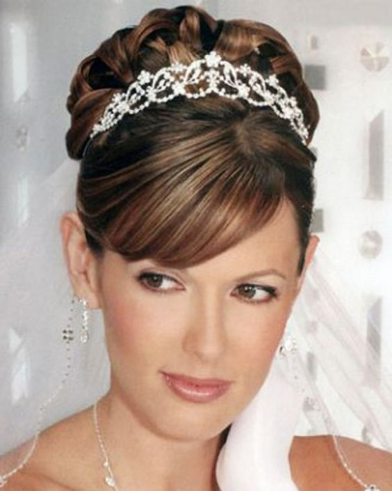 Wedding hairstyles for short hair with tiara